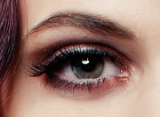 Augenaufschlag mit Hairplus