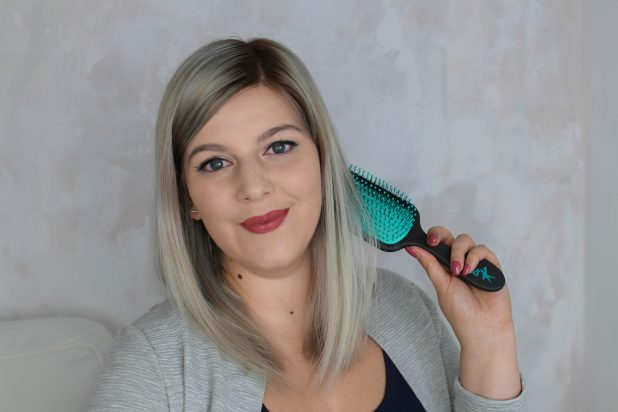 bloggerin-karinista-haarbürste-the knot dr.-klipp frisör