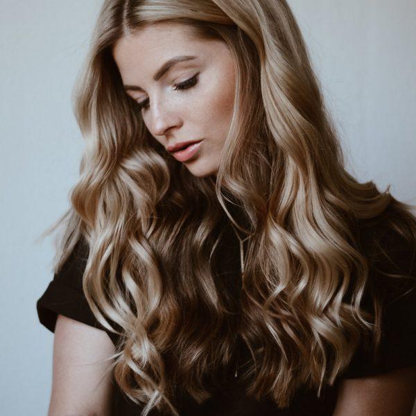 Jenny-jennyloveslove-KLIPP-Frisör-Friseur-Frisur-lange-Haare-Locken-blond