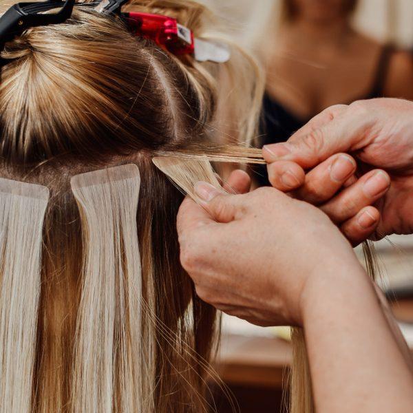 tapes tape-in haarverlängerung extensions klipp friseur frisör friseurin dienstleistung
