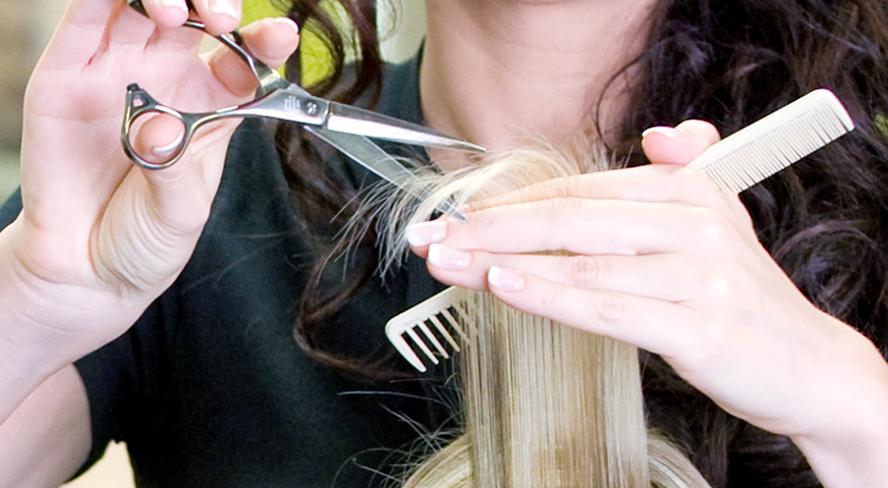 Haarschnitt, Haare schneiden, Schere, Haare ab, Haarschnitt, Kamm, Spitzenschneiden, Splissschnitt, Friseur, Frisör