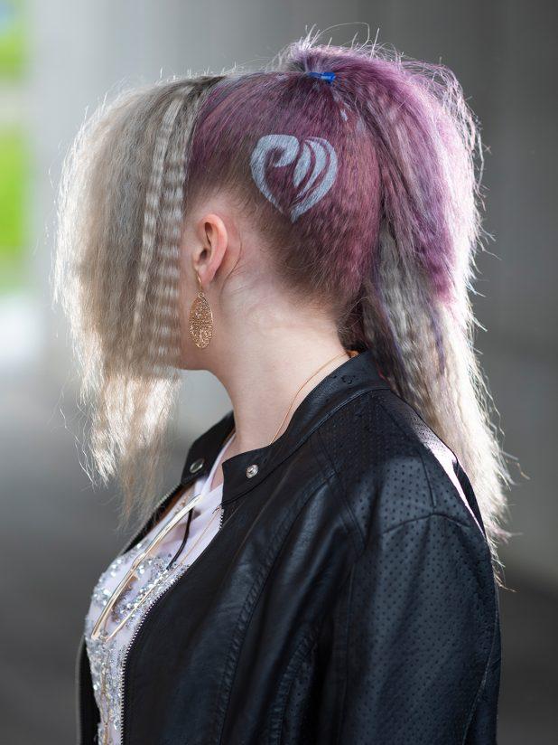 festivalfrisur-kreppen-Kreppfrisur-klipp-haare