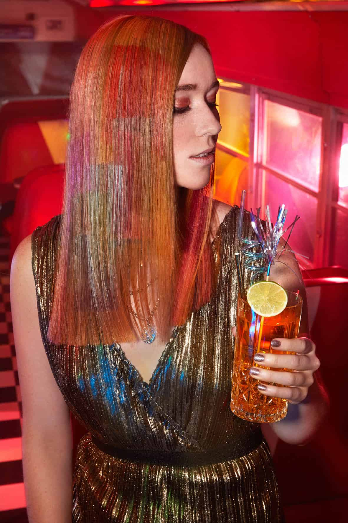 Partyfrisur-Frau-Sleekstyle-Klipp