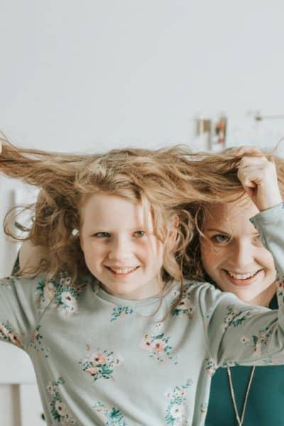 bloggerin-karin-mama-tocher-frisuren-unter-3-minuten